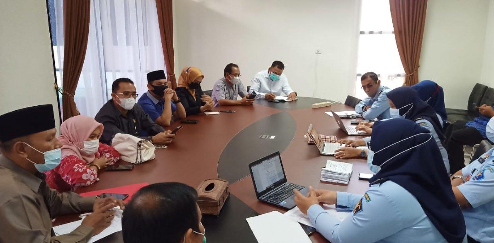 Terkait Mekanisme Proses Penyusunan Ranperda, Komisi  III DPRD Agam Sharing Informasi Ke  Kemenkumham Sumbar