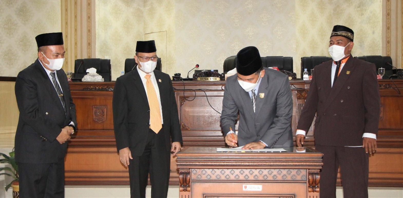 DPRD Kabupaten Agam Setujui Perubahan Perda RTRW