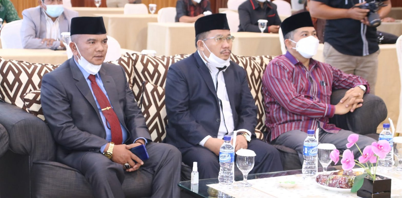 Ketua DPRD Agam Hadiri Pengukuhan Pengurus MUI Kabupaten Agam