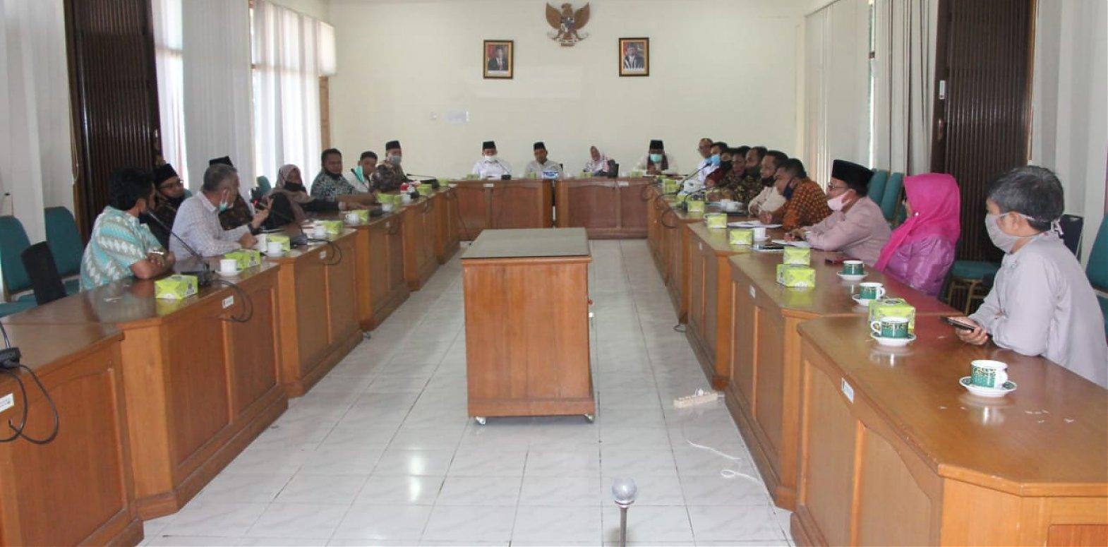 Terima DPRD Batang Hari dan DPRD Kota Pekanbaru